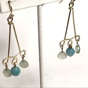 🌺Arrisan Gold and Chalcedony Earrings